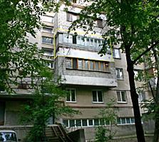 """3-ком. на Московском пр-те 5, над рест. """"Oliva""""."""