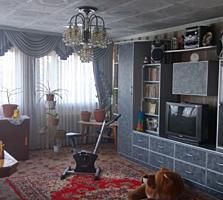 Продам 2-этажный дом в начале с. Карагаш. Возможна рассрочка.