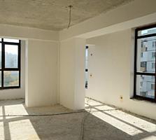 Apartament cu 2 odai + living - 83 m. p., bloc nou, varianta alba.