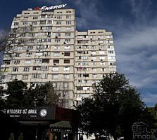 1-комн., Зелинского, угол Дачии, 36 м2, 3-й этаж, балкон из кухни!