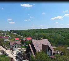 Дача, в коммуне Тогатин, 6 км от Кишинева, 7 соток земли.