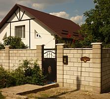 Posta Veche str Constructorilor. Casa cu doua nivele cu euroreparatie.