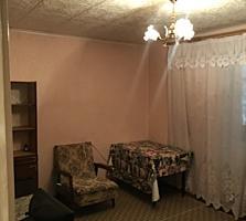 Двухкомнатная квартира, район Ориона, жилое состояние, высокий цоколь!