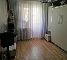 3-х комнатная, 143-я, середина, мебелированная, рынок Delfin