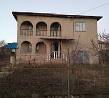 2-ух этажный котельцовый дом 220кв. м. на 6 сот земли в г. Сынжерей