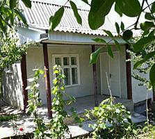 1-эт. дом-дача 30кв. м. на 6 сот земли в 2-ух км. от г. Бельцы