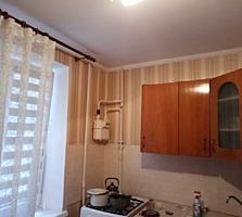 1- комнатная Казармы 1/9 с балконом. Ремонт. Торг.