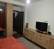 Apartament cu o odaie + living. Mobilat cu tehnica. 50m