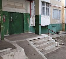 Vand apartament 3 camere Botanica-Independentei pret negociabil