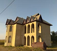 Продам 2-х этажный дом, Урсоая, 4 комнаты, 140 кв, 16 соток