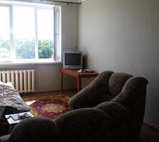 Большая комната в блоке, 20м, 4/9 эт, ремонт, мебель, стеклопакет.