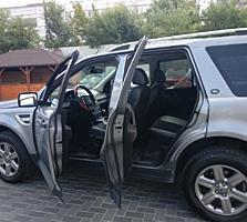 Se vinde un Land Rover