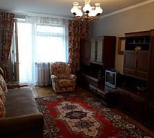 Продам 2-комнатную квартиру с окнами на парк Алунел.