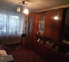 Продам теплую двухкомнатную квартиру