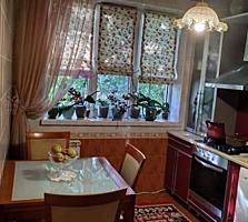 Vind apartament cu 2 camere (cotilet) Botanica