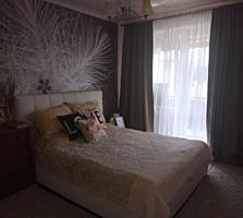 Продам 3-комнатную квартиру с евроремонтом, частично с мебелью.