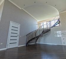 Трехуровневая статусная квартира в центре Тирасполя