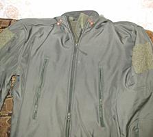 Продам куртку мужскую новую