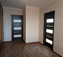 Продаётся трёхкомнатная квартира в Красных Казармах