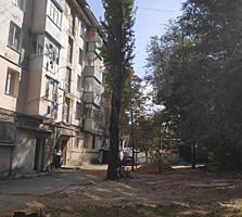 Stare buna, parchet, balcon inchis, et 3/5, intersectie Zelinschi!