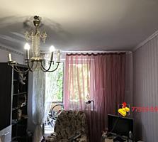 Продается трехкомнатная квартира. 6метровый балкон!