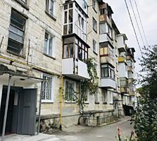 Sec. Centru, str. Valea Dicescu. Apartament cu 3 odai, 60m2. Bilateral