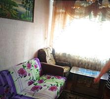 Продам 2 комнатную малогабаритную квартиру с пристройкой.