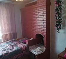 Casa in suburbie, 15km de la Chisinau si 11km pina la Stauceni, 30 ari