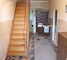 Ofertă unică, Casă cu 2 nivele, 8 camere+beci, saună, garaj, 153m2
