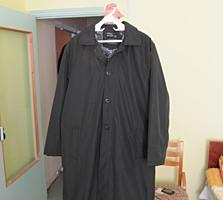 Пальто черное, искус. мех- водонепрон. верх, капюшон. Размер XL новое