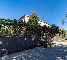 Капитальный дом с ремонтом, 243 кв. м., 5 комнат