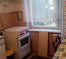 Продам 2-комнатную в центре 2/9 эт, 2 лоджии.
