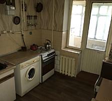 Stare locuibila, mobila, raion foarte bun, balcon - 11 m2!