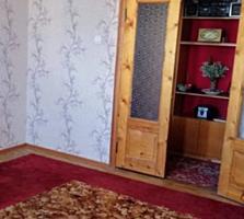 Срочно 2 комнатная Западный 8/9,143 серия косметика 18.000$