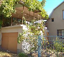 Дом - дача с гаражом и террасой