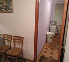 Продается 2 комнатная квартира. 1/2 эт. Район Парка Победа.