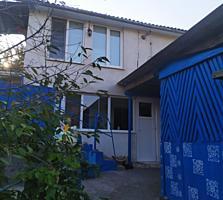 Продам большой двухэтажный дом в Рыбнице со всеми пристройками