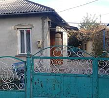 Срочно продам дом(р-н рынка Твой Дом) 2ком+гостиная 30000 евро торг