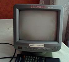 Продам маленький телевизор черно белый