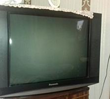 Продам телевизор Panasonic 800 лей.