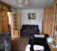 Бендеры 3-комнатная в Центре 3/5 жилая с мебелью