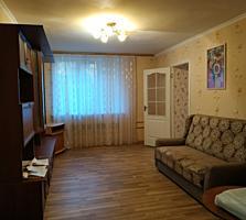 Продаю 2- комнатную квартиру по ул. Мичурина 17 с мебелью.