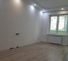 Предлагаю двухкомн. квартиру с капитальным ремонтом в центре, 9 ШК.
