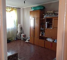 Vind apartament cu 3 camere pe eminescu 47