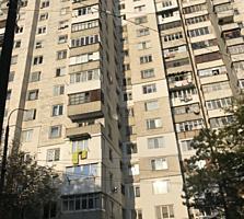 Индепенденцей угол Х. Ботева, раздельные комнаты, светлая, ремонт!