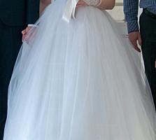 Продам свадебное платье Ющенко