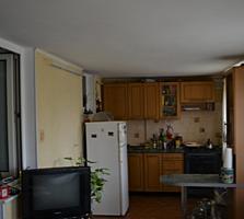 2комнатная квартира в районе газ конторы 1/2 с пристройкой.