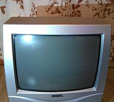 Продаётся неработающий телевизор с пультом.