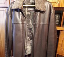 Кожаная куртка импортная. Мех натуральный, цигейка. Отстёгивается.