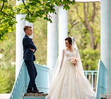 Продам шикарное свадебное платье на дюймовочку